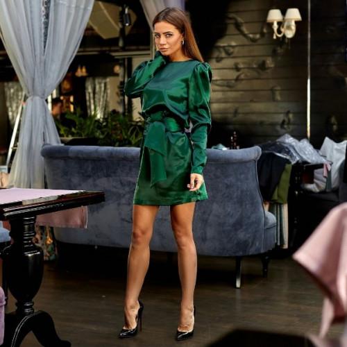 Короткое атласное платье 11153