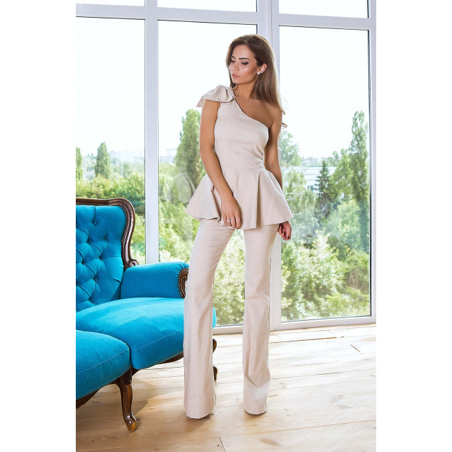 Женственный брючный костюм с бантом 10827