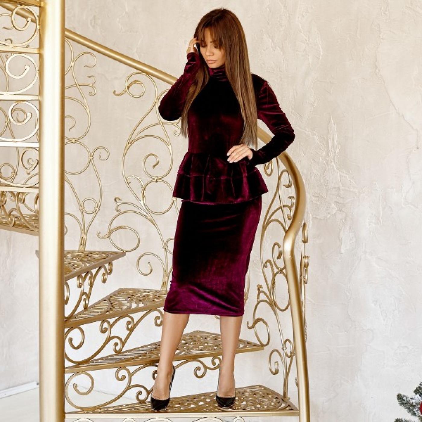 Бархатное платье с баской 10710