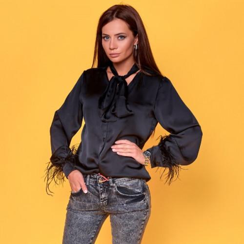 Блуза с перьями на рукавах 6950