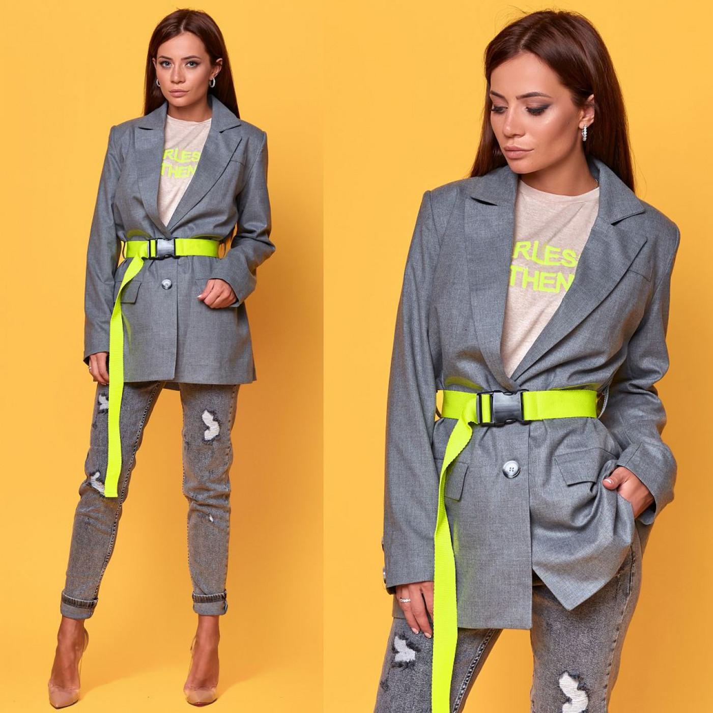 Пиджак с ярким ремнем 50687