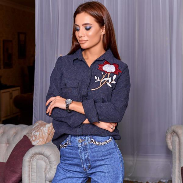 Рубашка с вышивкой цветка 6822