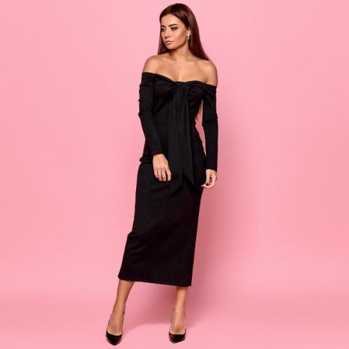 Красивое платье с открытыми плечами 11236