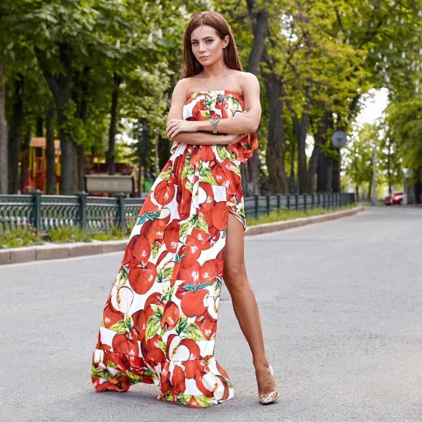 Платье яркое яблоки в пол 10830