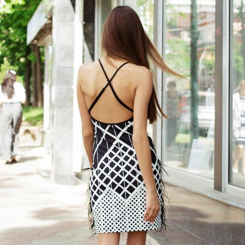 Коктейльное платье с перьями 50246