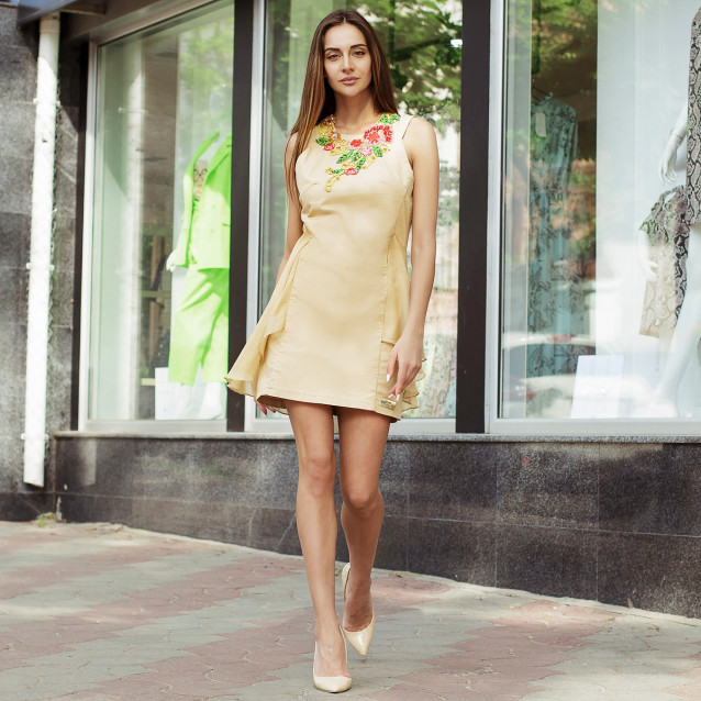 Платье с вышивкой 2136
