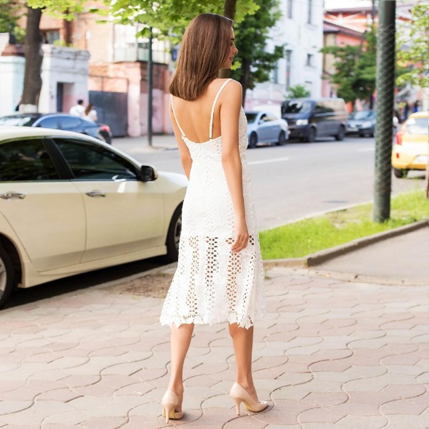 Очаровательное платье с гипюром 357-0