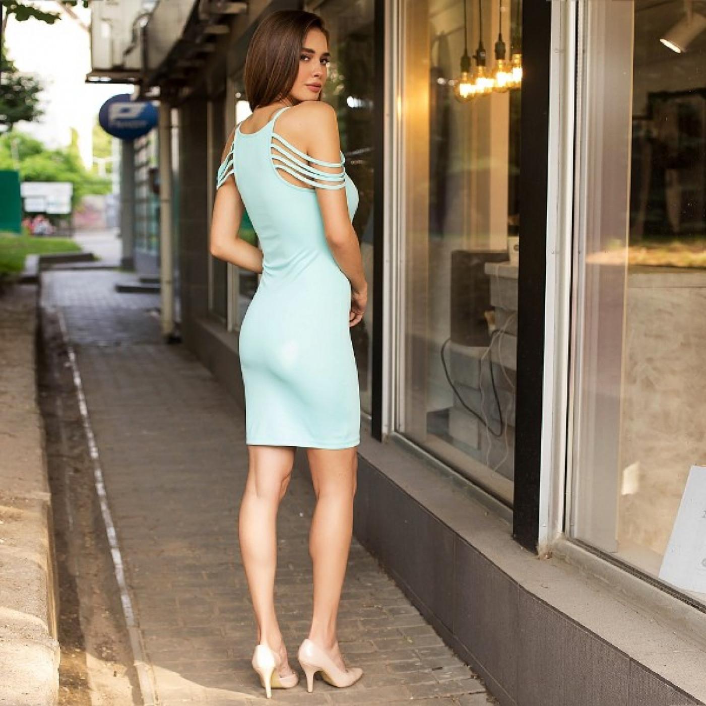 Яскраве спокусливе плаття 50213
