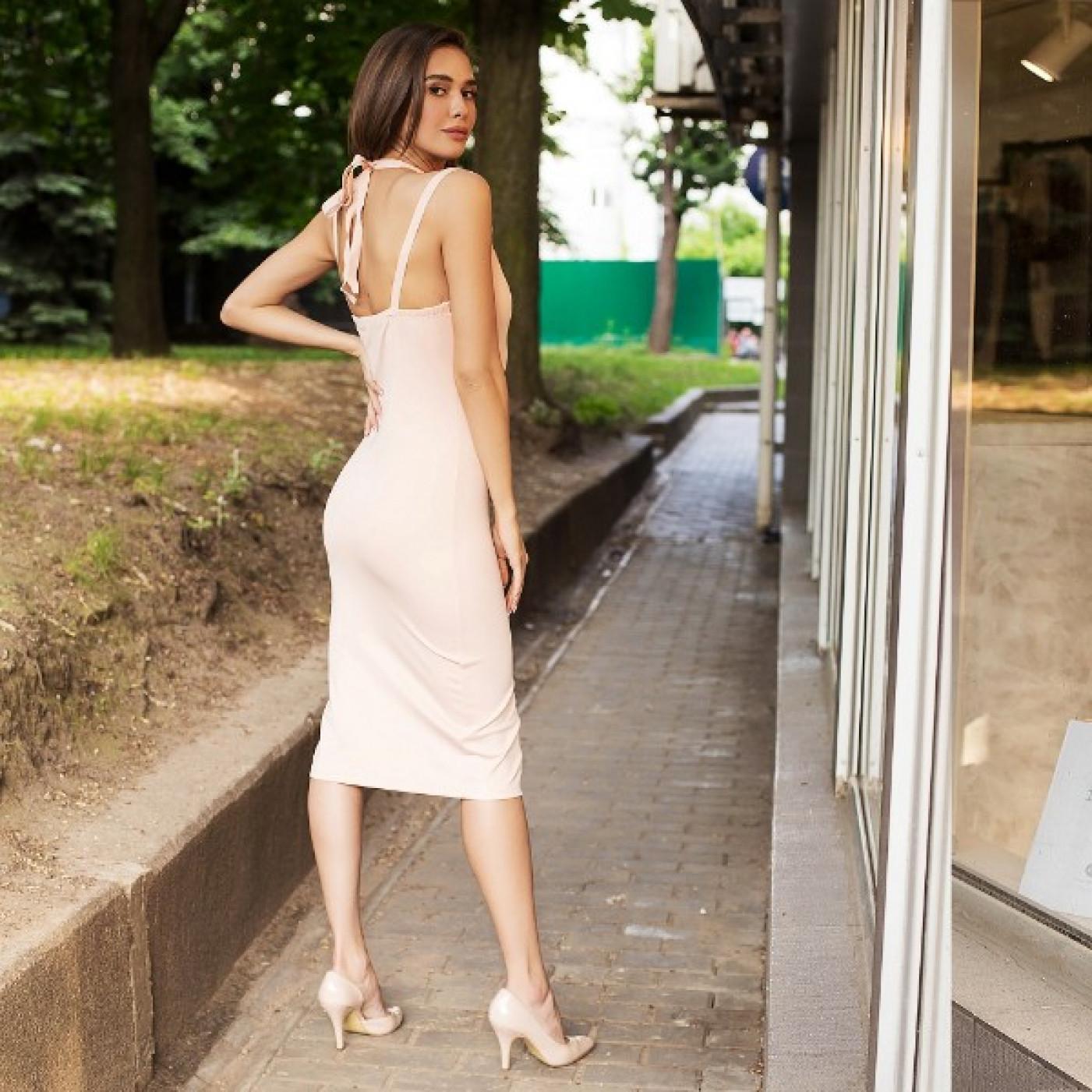 Лаконічне відверту сукню 50224