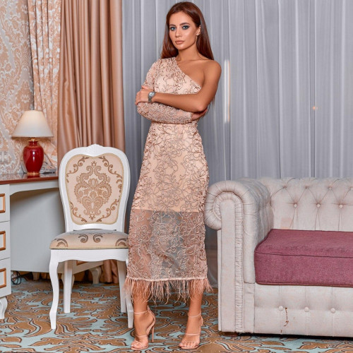 Кружевное платье с перьями 11453