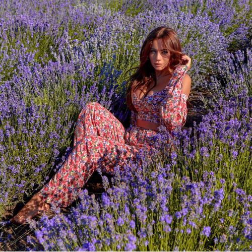 Яркий цветочный костюм 11601