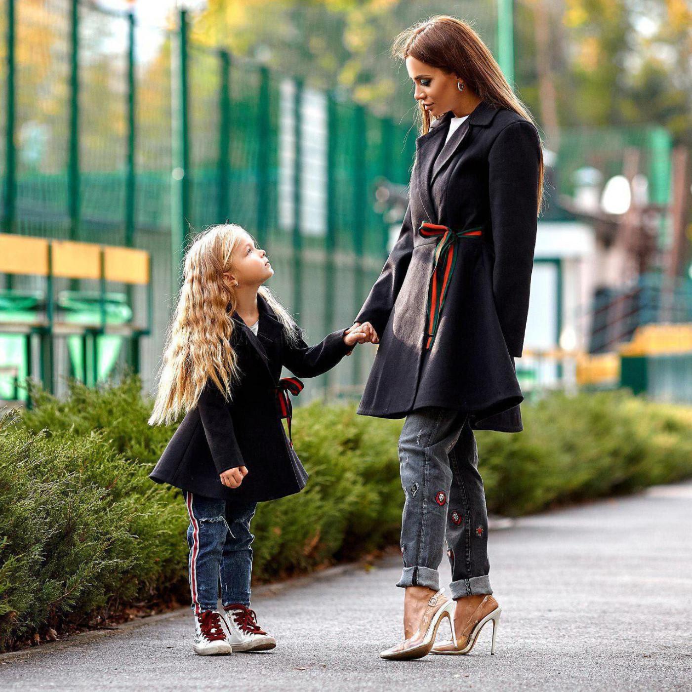Весеннее женское пальто Family Look 11139