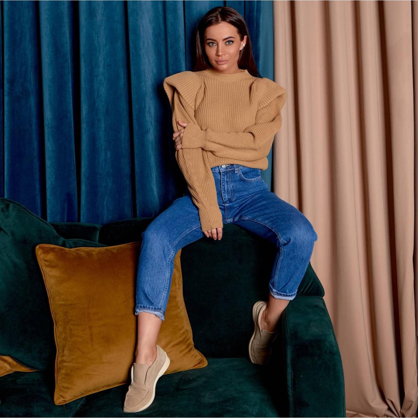 Вязанный объемный свитер 190159