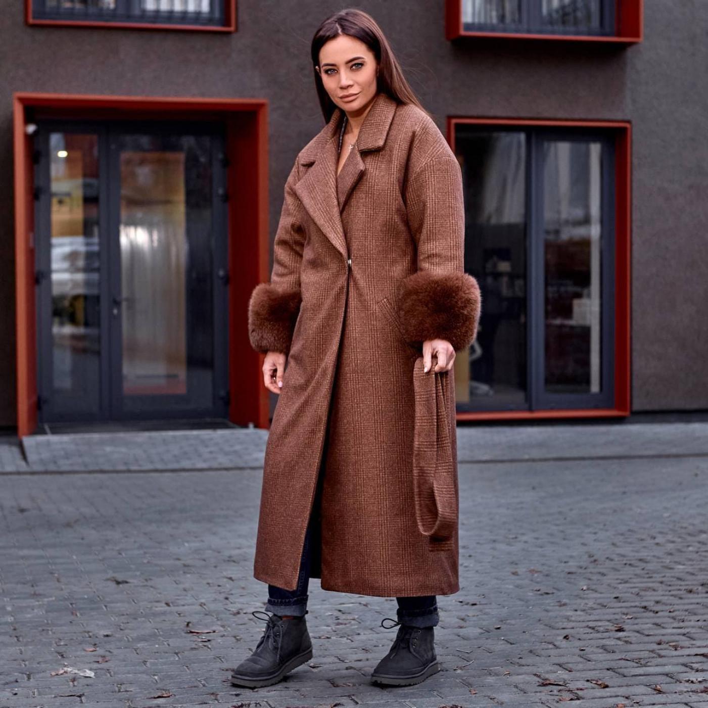 Пальто с меховыми рукавами 11669-2