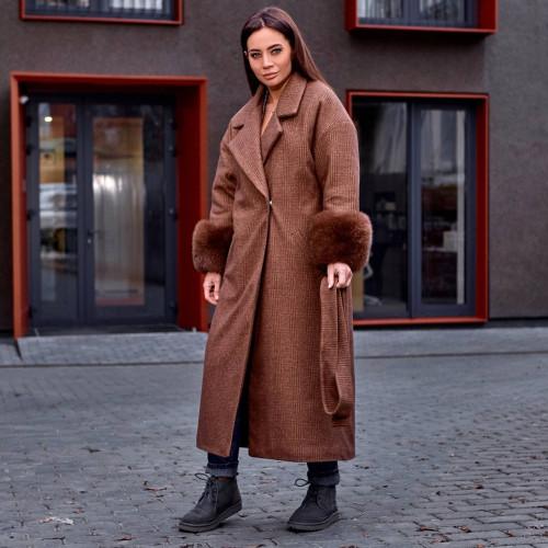 Пальто с меховыми рукавами 11669