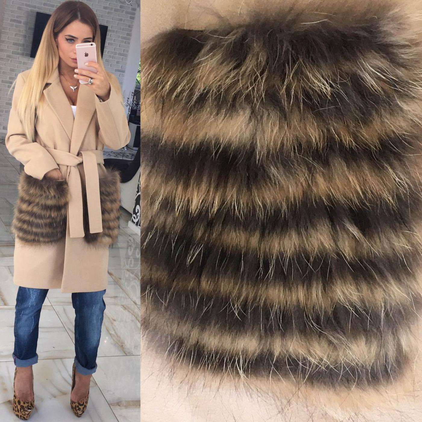 Пальто з хутряними кишенями з єнота 10606